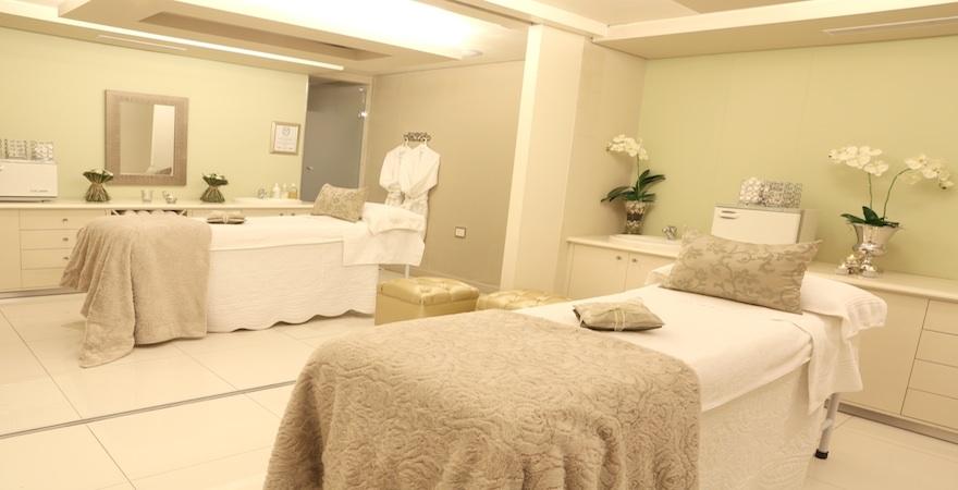 Treatment room at FOurways Health Renewal